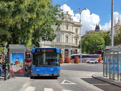 La EMT prolonga, a partir de este viernes, el recorrido de la línea 74 (Pintor Rosales - Parque de las Avenidas), para los usuarios que deban desplazarse hasta el nuevo Centro de Salud Baviera, en el barrio de La Guindalera.