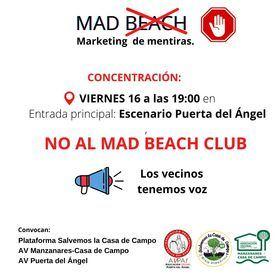 Los vecinos de tres distritos, afectados por los ruidos, atascos y suciedad, se concentran este viernes contra el Mad Beach