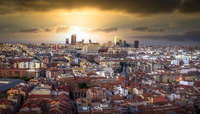 Se trata de una iniciativa conjunta con la Asociación Empresarial Hotelera de Madrid (AEHM) dentro del programa #MadridSinIrMasLejos, pensada para los padres que celebran su día el 19 de marzo, que se desarrollará del jueves 18 al domingo 21.