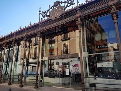el mercado, declarado Bien de Interés Cultural (BIC), recibía cada año a más de diez millones de visitantes.