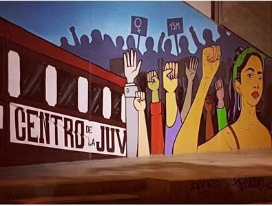 Más Madrid presentó una proposición en el Pleno del distrito de Carabanchel de febrero, para que se lleve a cabo un acto conmemorativo el 8 de marzo, en la plaza de Oporto, frente al mural, con la aprobación de todos los grupos políticos, excepto VOX.
