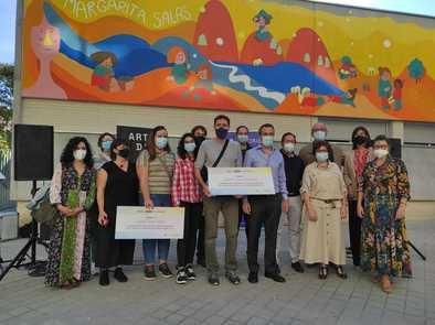 El mural ha sido diseñado y ejecutado por los ganadores del concurso convocado por la junta municipal y la Escuela de Diseño Artediez el pasado mes de febrero, Lucas Pascual, Esther Martín y Pablo Martínez, ilustradores y graduados por esta escuela.