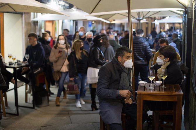 El viceconsejero de Salud Pública y Plan Covid-19, Antonio Zapatero, ha reconocido que espera 'un repunte casos' en la Comunidad de Madrid en las próximas semanas, tras indicar que el efecto de las reuniones sociales en el Puente de Diciembre y en la primera fase de la Navidad ya 'se está notando'.