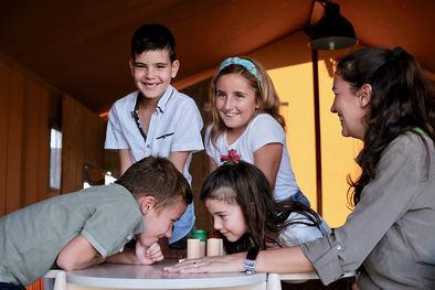 La pedagoga Susana Budé propone cuatro principios fundamentales para que la convivencia con los más pequeños en los próximos meses sea agradable, enriquecedora y divertida.