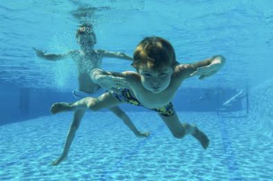 Las piscinas han aplicado protocolos de seguridad y, siendo responsables, son un refugio seguro este verano