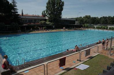 Las piscinas municipales han registrado más de medio millón de bañistas en dos meses