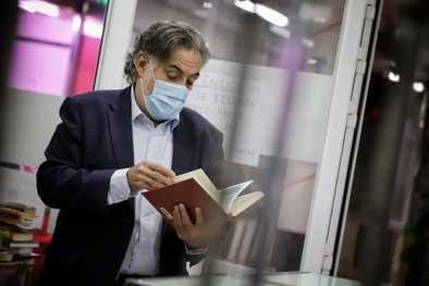 Pepu Hernández insta a coordinarse entre las distintas administraciones, porque se están viviendo situaciones 'donde no tiene que haber tanta ideología'. De hecho, el edil reivindica 'más sociología y menos ideología'.