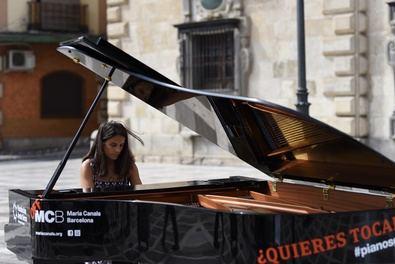 El jueves 7 de octubre, Madrid se llenará de música, con 10 pianos de cola repartidos por el barrio de las Letras, para convertir estos espacios en escenarios de música al aire libre.