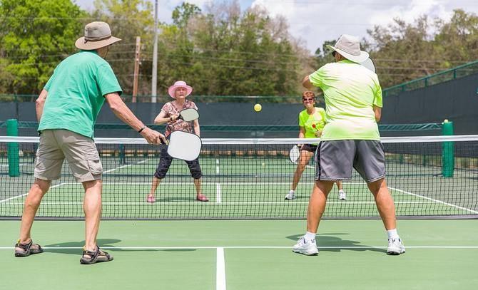 El objetivo es fomentar la autonomía de las personas con discapacidad intelectual a través de este deporte, mezcla de bádminton, tenis y tenis de mesa.
