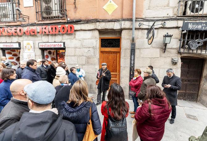 El Ayuntamiento de Madrid amplia durante noviembre y diciembre las visitas con temática galdosiana. Por una parte se incrementan las dos ya existentes y, además, se crean tres nuevas: 'El Madrid de esparcimiento en la obra de Galdós', 'Galdós y el Madrid de las clases desheredadas' y 'De Tribunal a Conde Duque: el otro Madrid galdosiano'.