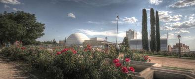 En estos 35 años, Planetario ha producido 61 películas, 50 exposiciones, 40 observaciones con telescopios, 23 cursos de astronomía y astrofísica, 20 conciertos en la cúpula, 265 conferencias, talleres infantiles, congresos e innumerables presentaciones de libros.