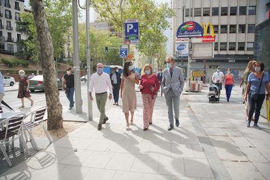 La vicealcaldesa, Begoña Villacís, la delegada de Obras y Equipamientos, Paloma García Romero, y el concejal de Centro, José Fernández, han recorrido ambos espacios.