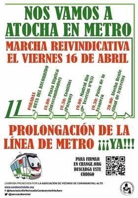 Realizan el recorrido por la ampliación de la línea 11 de Metro con un tren de cartón para pedir su ejecución