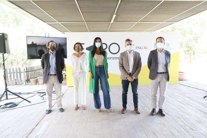 La vicealcaldesa de Madrid, Begoña Villacís, ha estado acompañada del delegado del área social, Pepe Aniorte, la directora general de Banca para Particulares de ING España, Almudena Román, y el presidente de la Fundación Nantik Lum, Juan Riva de Aldama.