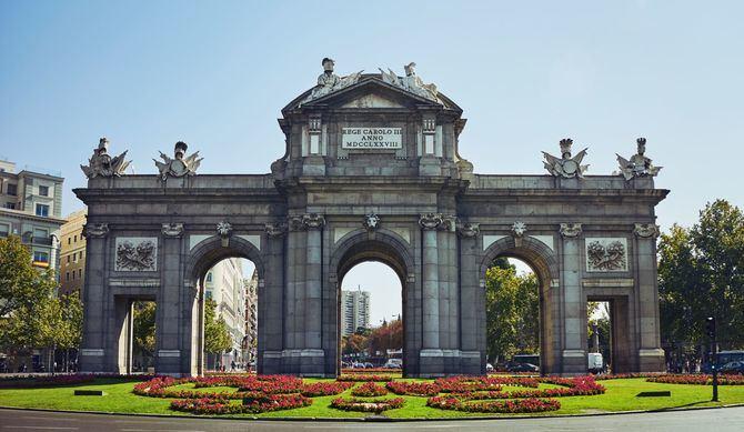 Este año se cumple el tricentenario del nacimiento en Palermo de Francisco Sabatini, arquitecto e ingeniero real al servicio de Carlos III y Carlos IV entre los años 1760 y 1797 y autor de obras tan emblemáticas en Madrid como la Puerta de Alcalá, la reforma del Palacio Real, la Casa de Aduanas, el Palacio de Godoy y la Puerta del Real Jardín Botánico.