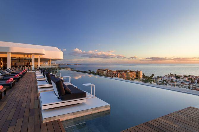 El hotel Royal Hideaway Corales Resort, ubicado en Costa Adeje (Tenerife), ofrece experiencias para sumergirse en su costa y disfrutar del fondo marino.