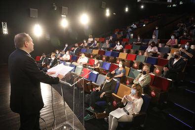 Hay dos líneas de subvención: una destinada a la producción de obras audiovisuales y otra para su difusión y promoción.