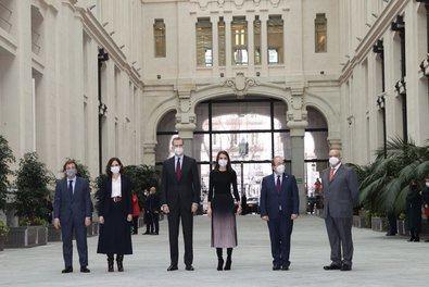 Presidido por Sus Majestades los Reyes, ayer tuvo lugar el acto de entrega de los premios de la APM. Se trata de los galardones correspondientes a 2019 y 2020, que se han otorgado de manera conjunta después de que el año pasado no pudiera celebrarse este evento por la evolución de la pandemia.