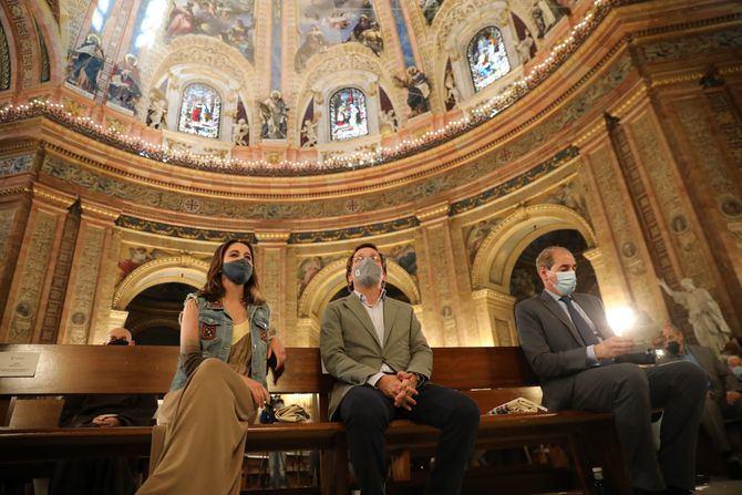 El alcalde de Madrid, José Luis Martínez-Almeida, y la delegada de Cultura, Turismo y Deporte, Andrea Levy, han presentado el programa cultural del Año Sabatini en la Real Basílica de San Francisco El Grande.