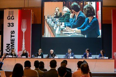Campeonatos, espacios y las Mesas Redondas Gourmets con cocineros emergentes, en las que analizar el futuro de la gastronomía y descubrir las bondades del producto de calidad, seña de identidad de SG.