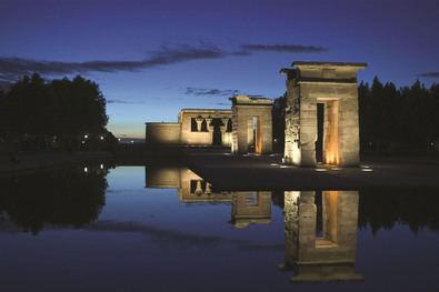 Las rutas por la arquitectura madrileña son otro de los grandes atractivos turísticos de la capital y la región. En la imagen, el Templo de Debod, en el distrito de Moncloa-Aravaca.