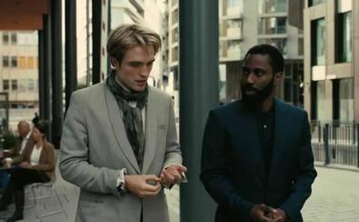 'Tenet' es un 'thriller' de espías, protagonizado por John David Washington, Robert Pattinson y Elizabeth Debicki, que gira en torno a la manipulación del tiempo para desentrañar una conspiración criminal.