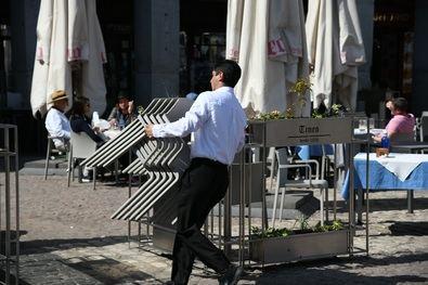 En Madrid, antes de la pandemia existían 5.322 terrazas. La batería de medidas flexibilizadoras de la Ordenanza de Terrazas ha provocado que desde el 14 de mayo del año pasado se hayan autorizado más de 2.678 nuevas terrazas en la ciudad.