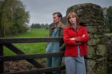 'Una canción irlandesa' nos sitúa en los idílicos paisajes de la Irlanda rural, donde la obstinada granjera Rosemary Muldoon quiere ganarse el amor de su tímido vecino Anthony Reilly, pero este permanece impasible ante su hermosa admiradora.