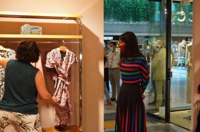 La vicealcaldesa, Begoña Villacís, visitó Moda Shopping y habló con responsables del centro y del sector textil.