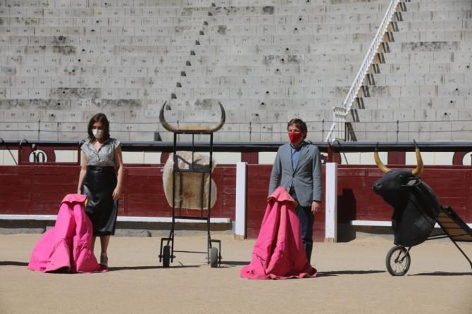 Ayuso y Almeida en Las Ventas, donde firmaron un protocolo para promover la tauromaquia.