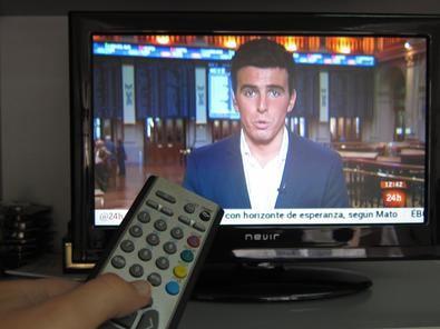 El cambio de frecuencias es un proceso que no implica la aparición ni desaparición de canales de televisión, ni la obsolescencia de televisores ni descodificadores de TDT. Independientemente del tipo de vivienda, toda la ciudadanía deberá resintonizar sus televisores.