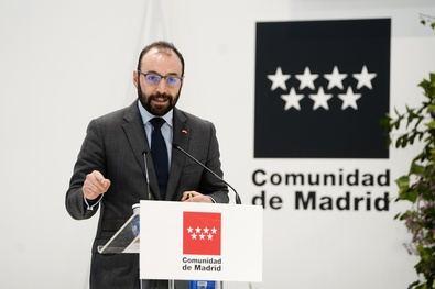 El consejero de Economía, Manuel Giménez, ha desvelado esta mañana que as ayudas directas para los autónomos afectados por el coronavirus que ha impulsado el Gobierno regional se cobrarán 25 o 30 días después de haber realizado la solicitud.