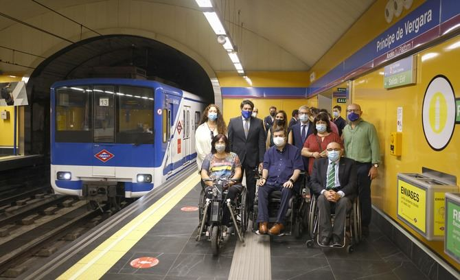 El consejero de Transportes e Infraestructuras, David Pérez, ha visitado la conclusión de estas actuaciones, comprobando la plena accesibilidad en sus accesos y la renovación que se ha llevado a cabo en todo el recinto.