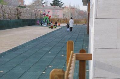 La red de escuelas infantiles del Ayuntamiento de Madrid, formada por 68 centros, dispone de 7.965 plazas.