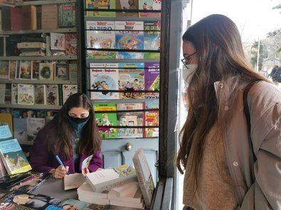 Autores de reconocido prestigio firmarán sus nuevas obras el último fin de semana de cada mes en diferentes casetas de Moyano.