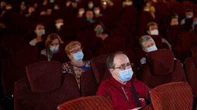 Las salas de cine españolas, con el apoyo del Instituto de la Cinematografía y de las Artes Audiovisuales (ICAA), han lanzado la campaña 'Yo voy al cine' que, durante cuatro días, del 27 al 30 de septiembre, ofrecerán un precio especial de 3,50 euros por entrada.