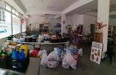 La despensa solidaria de Hacenderas ha recogido una tonelada de alimentos.
