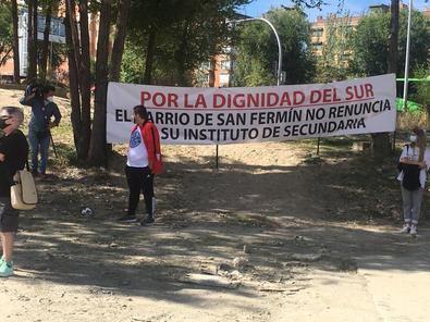 Los vecinos de San Fermín se movilizaron reclamando un instituto en lugar de un aparcamiento.
