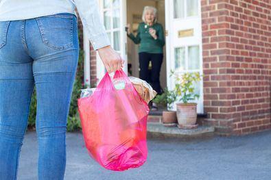 Los mayores cuentan con sus vecinos