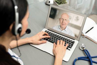 Una amplia red de médicos y psicólogos colegiados y formados en COVID-19 atenderá las consultas de las personas que lo soliciten a través de de su web. El objetivo de esta acción es descongestionar el sistema sanitario y proteger a los profesionales.