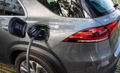 En 2030, Mercedes-Benz quiere que el 50% de sus ventas sean de eléctricos puros, lo que implicará que en 2025 se hayan reducido un 40% las variantes de sus modelos con motores de combustión, un porcentaje que en 2030 será del 70%.