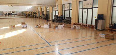 El Moscardó se ha habilitado como punto logístico para el reparto de donaciones sanitarias.