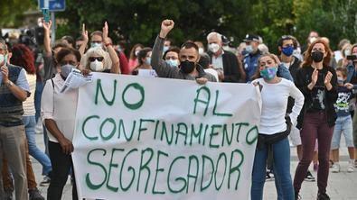 Las concentraciones de este domingo contra las restricciones selectivas se han celebrado en varios distritos de Madrid capital y en municipios como Getafe, Parla y Fuenlabrada.