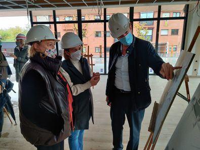 La delegada de Obras y Equipamientos, Paloma García Romero, y la concejala de Moncloa-Aravaca, Loreto Sordo, han visitado los trabajos.