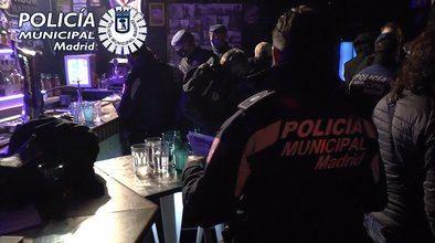 El Ayuntamiento de Madrid activa, desde este jueves, una campaña para sancionar a los locales sin las licencias correspondientes y que hayan celebrado fiestas ilegales, con multas que van desde los 60.000 hasta los 600.000 euros.