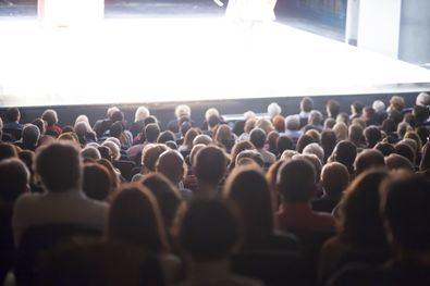 La iniciativa persigue respaldar las medidas de seguridad que los exhibidores han implementado en sus instalaciones y concienciar a todos de que el futuro del cine en España está en manos de los espectadores.