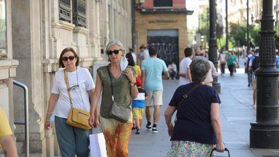 La Comunidad de Madrid ha pedido prudencia ante el fin de la obligatoriedad de la mascarilla en exteriores desde este fin de semana.