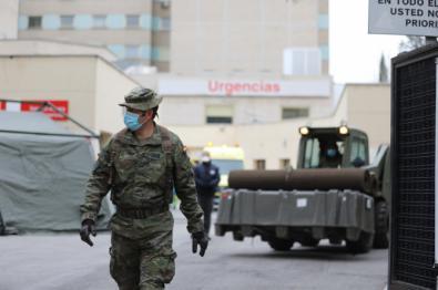 El Regimiento de Ingenieros nº11 monta un hospital de campaña en el Gregorio Marañón.