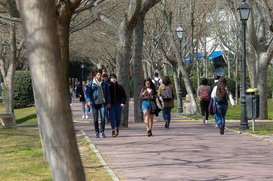 Límite de aforo en clases presenciales y laboratorios y circuitos organizados para evitar aglomeraciones, son algunas de las medidas que están implantando todos los campus madrileños.