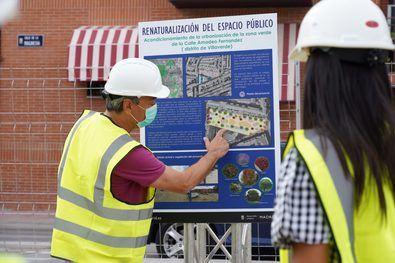 Begoña Villacís visitó el solar donde se ejecutará una zona estancial en Villaverde